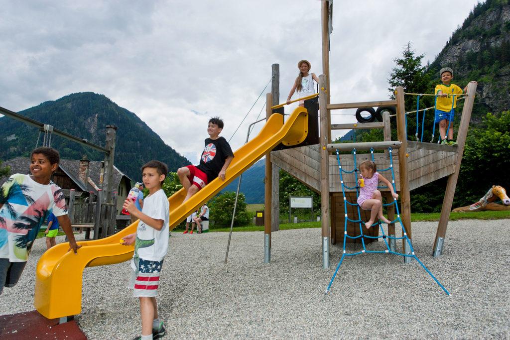 Maltatal Familie - Kinder am Spielplatz